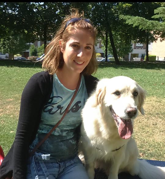 cuidadora y paseadora de perros Crstina Domínguez